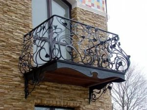 Кованый балкон Брази