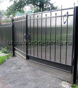 Кованые ворота с поликарбонатом 22