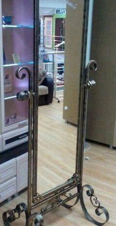 Кованое зеркало напольное купить