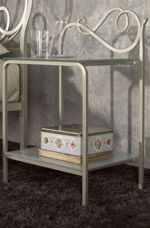 Кованые прикроватные столики для спальни