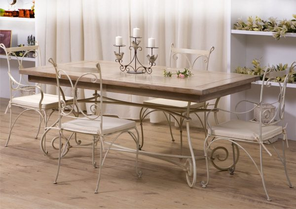 Кованые стулья для кухни