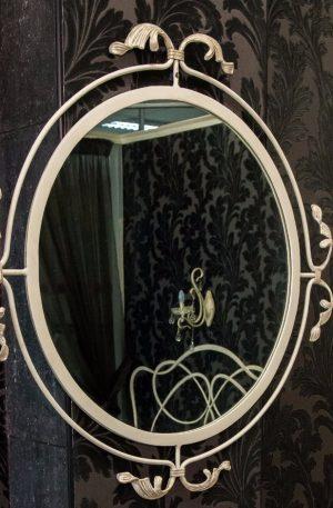 Зеркало кованое настенное