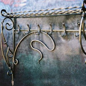 Кованые вешалки для одежды настенные