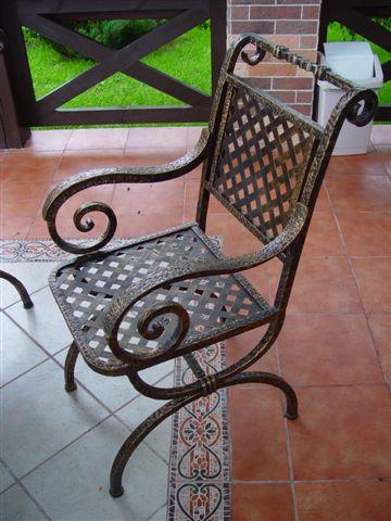Кованые садовые кресла